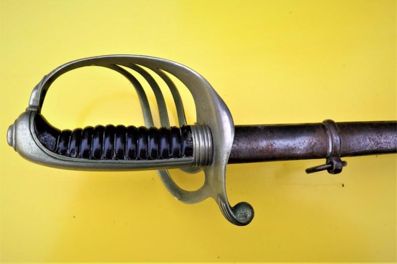 Trois sabres a l'authentification et éstimation (belge et français) Rimg1326