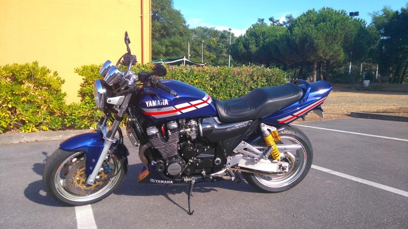 Bientôt en vente XJR1200-SP Sarron CUP Dsc_0410