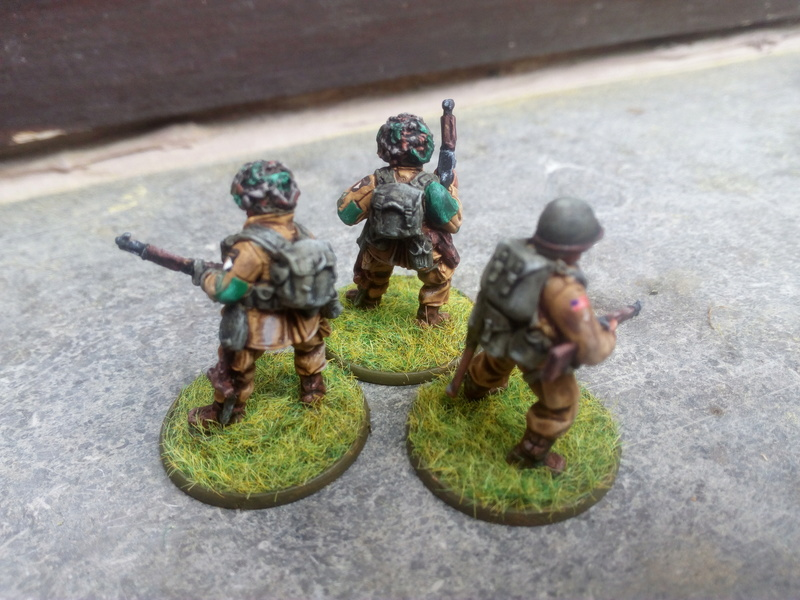 Sergent US avec ses collègues :) Img_2059