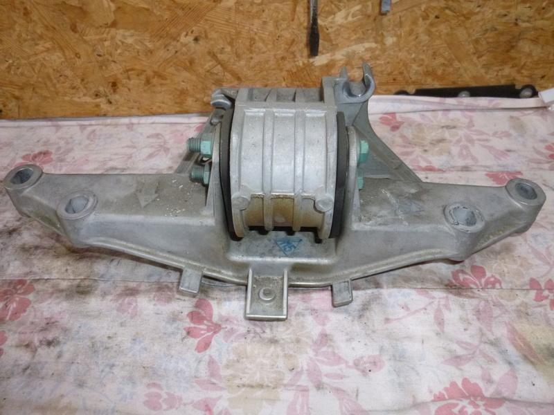 Vibration moteur après 3100 tours/min P1050787