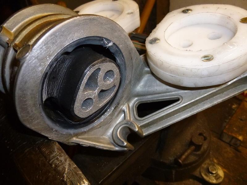 Vibration moteur après 3100 tours/min P1050840