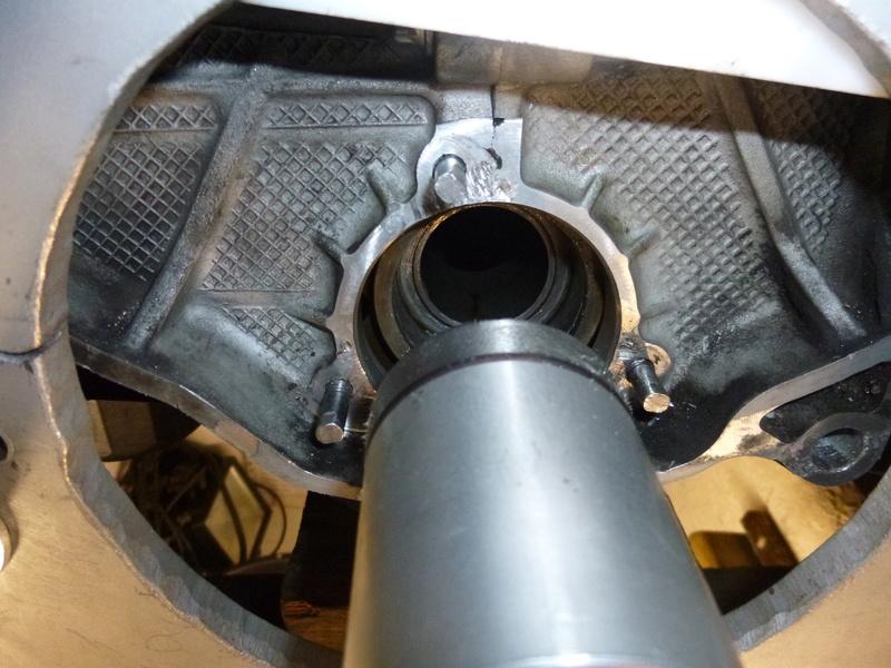 remplacement du carter d'huile pour un FVD plus contenant P1060055