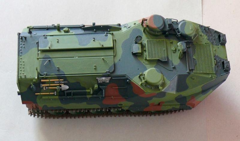 AAVR 7A1 Assault Amphibian Vehicle Recovery de Hobby Boss au 1/35 1_11110