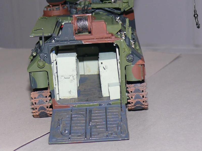 AAVR 7A1 Assault Amphibian Vehicle Recovery de Hobby Boss au 1/35 1_13410