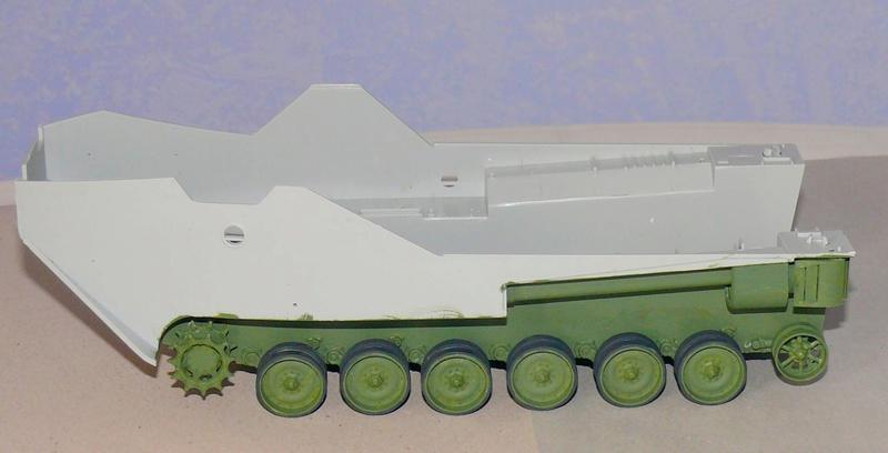 AAVR 7A1 Assault Amphibian Vehicle Recovery de Hobby Boss au 1/35 1_3010