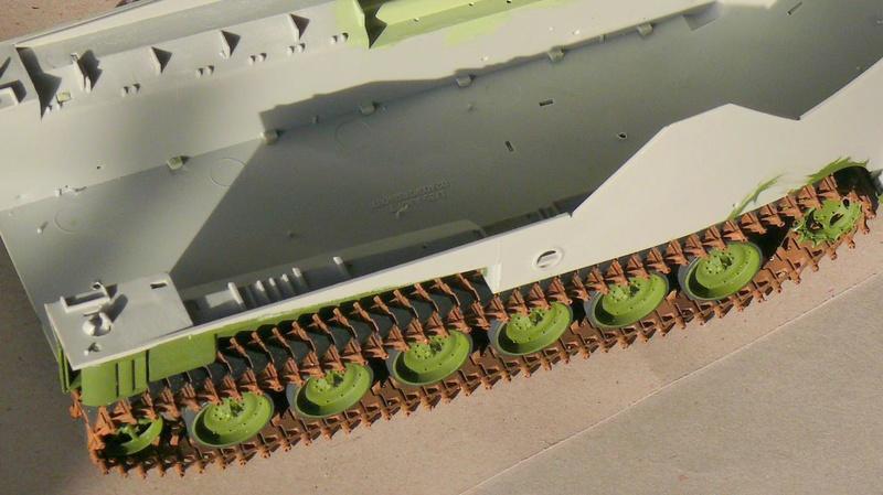 AAVR 7A1 Assault Amphibian Vehicle Recovery de Hobby Boss au 1/35 1_5010