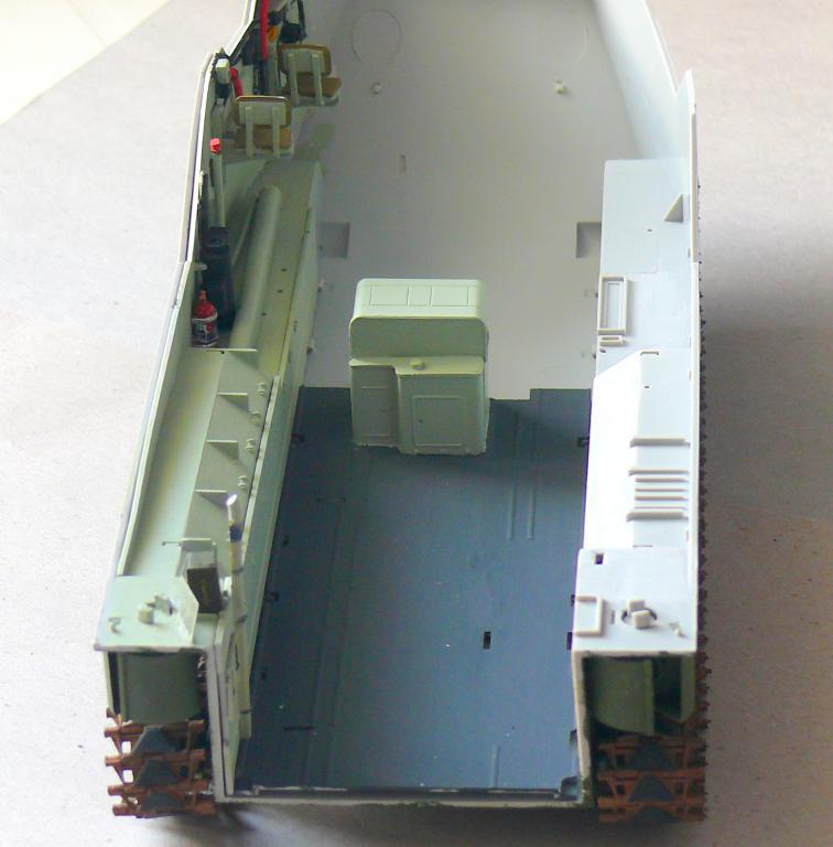 AAVR 7A1 Assault Amphibian Vehicle Recovery de Hobby Boss au 1/35 1_6210
