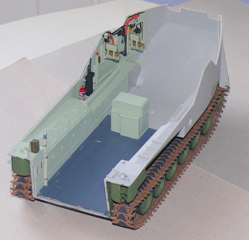 AAVR 7A1 Assault Amphibian Vehicle Recovery de Hobby Boss au 1/35 1_6710