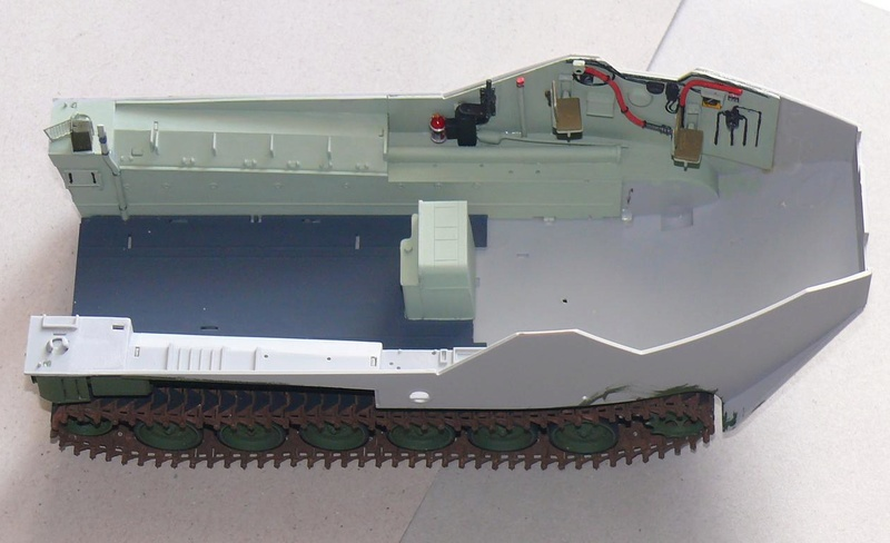 AAVR 7A1 Assault Amphibian Vehicle Recovery de Hobby Boss au 1/35 1_7010