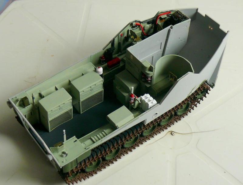 AAVR 7A1 Assault Amphibian Vehicle Recovery de Hobby Boss au 1/35 1_7110