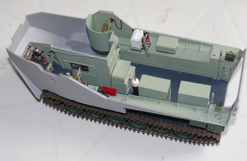 AAVR 7A1 Assault Amphibian Vehicle Recovery de Hobby Boss au 1/35 1_7410