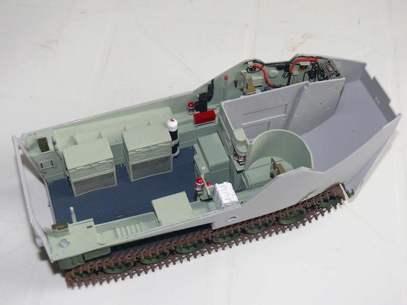 AAVR 7A1 Assault Amphibian Vehicle Recovery de Hobby Boss au 1/35 1_7910
