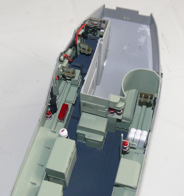AAVR 7A1 Assault Amphibian Vehicle Recovery de Hobby Boss au 1/35 1_8010