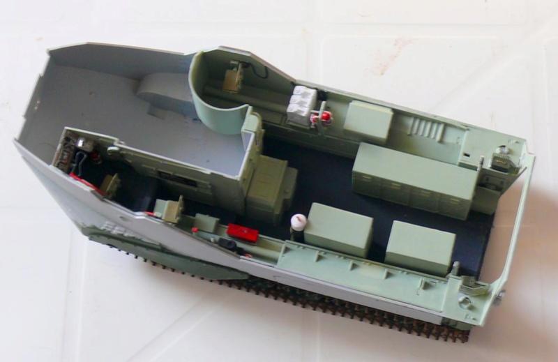 AAVR 7A1 Assault Amphibian Vehicle Recovery de Hobby Boss au 1/35 1_8410