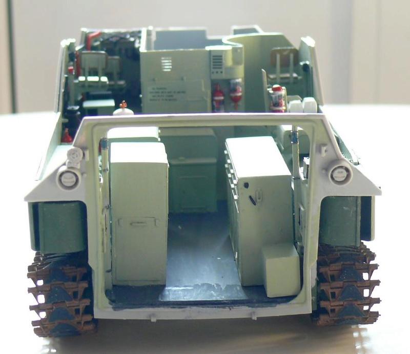 AAVR 7A1 Assault Amphibian Vehicle Recovery de Hobby Boss au 1/35 1_8810