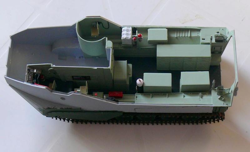 AAVR 7A1 Assault Amphibian Vehicle Recovery de Hobby Boss au 1/35 1_9110