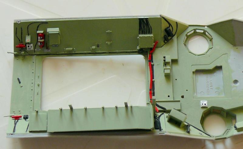 AAVR 7A1 Assault Amphibian Vehicle Recovery de Hobby Boss au 1/35 1_9410