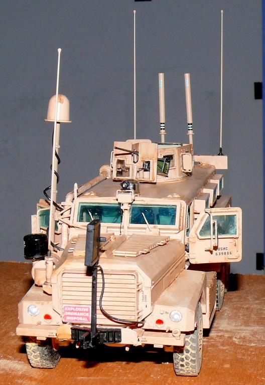 US COUGAR 6X6 MRAP au 1/35 de MENG - Page 2 Cougar22
