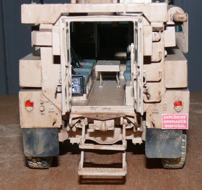 US COUGAR 6X6 MRAP au 1/35 de MENG - Page 2 Cougar23