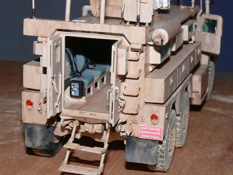 US COUGAR 6X6 MRAP au 1/35 de MENG - Page 2 Cougar25
