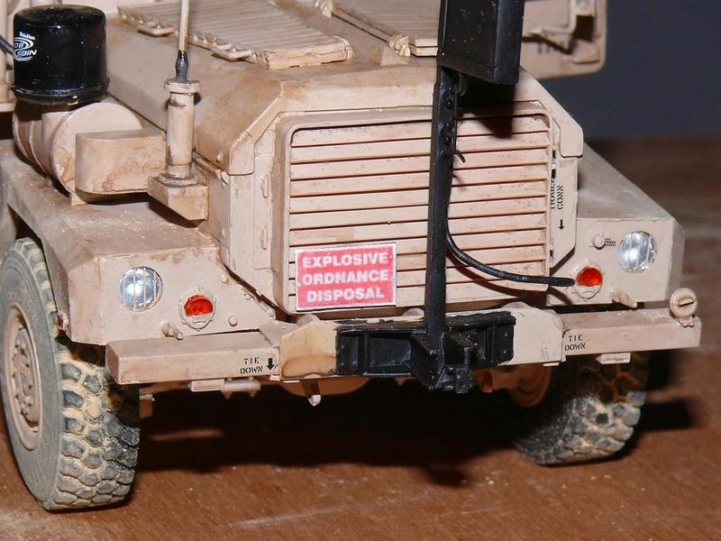 US COUGAR 6X6 MRAP au 1/35 de MENG - Page 2 Cougar26