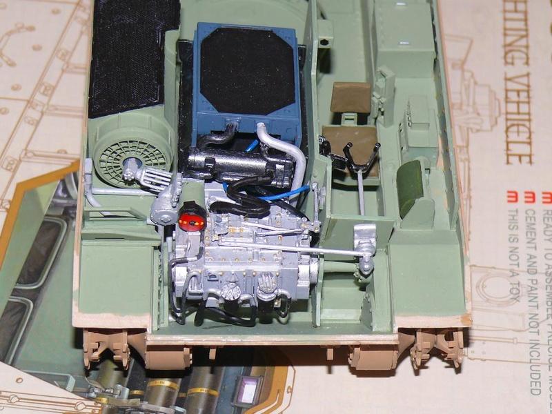 M3A3 BRADLEY w/BUSK III U.S. CAVALRY FIGHTING VEHICLE DE MENG Au 1/35 M3a3_b26