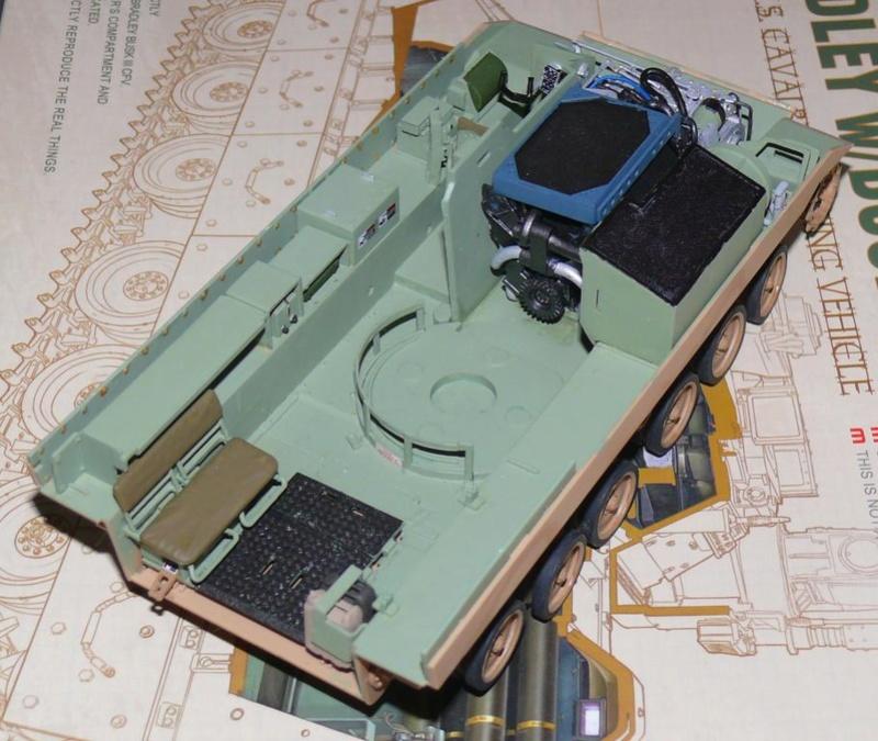 M3A3 BRADLEY w/BUSK III U.S. CAVALRY FIGHTING VEHICLE DE MENG Au 1/35 M3a3_b28