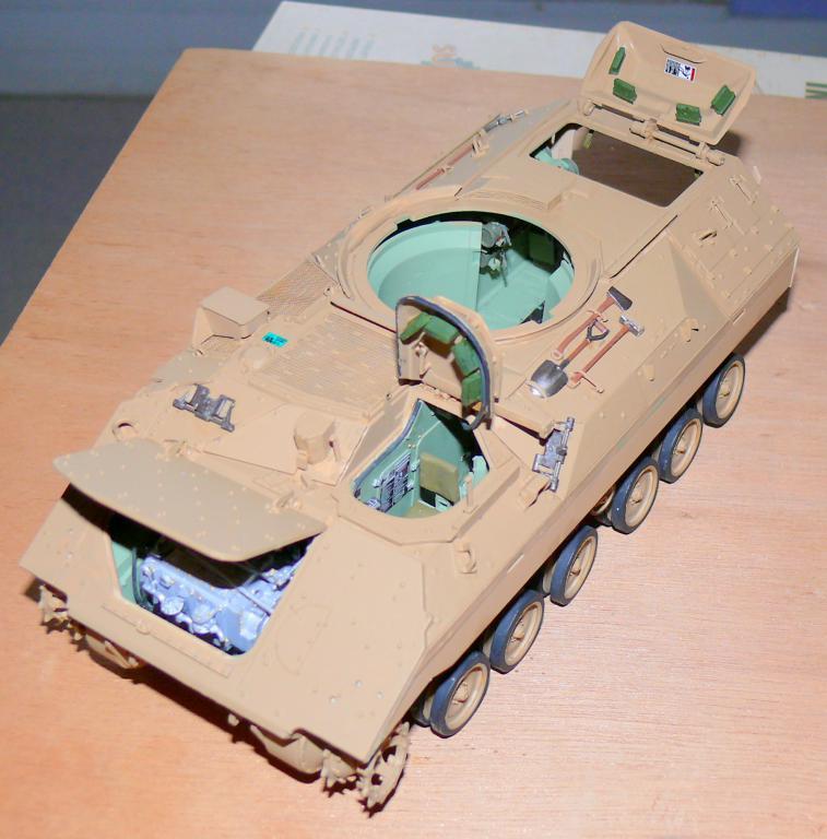 M3A3 BRADLEY w/BUSK III U.S. CAVALRY FIGHTING VEHICLE DE MENG Au 1/35 M3a3_b54