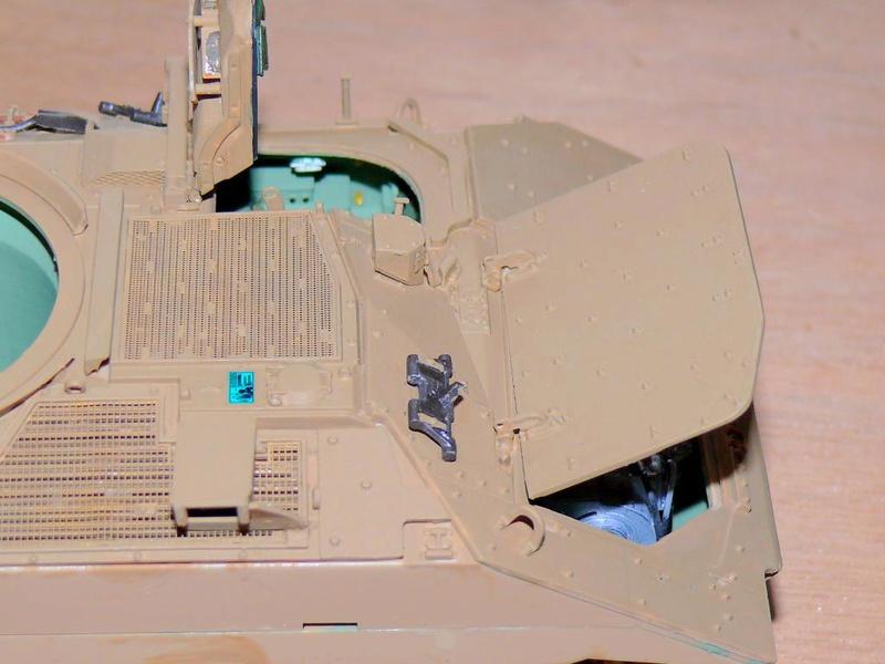 M3A3 BRADLEY w/BUSK III U.S. CAVALRY FIGHTING VEHICLE DE MENG Au 1/35 M3a3_b64