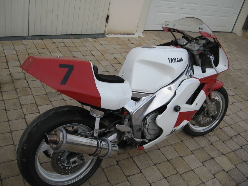 YAMAHA 1000 FZR Piste Img_6013