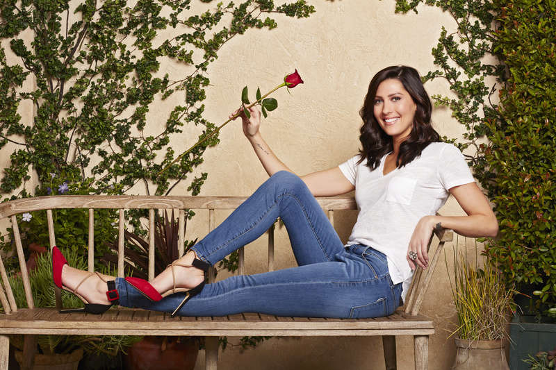 Bachelorette 14 - Becca Kufrin - ScreenCaps - NO Discussion - *Sleuthing Spoilers* 14889224