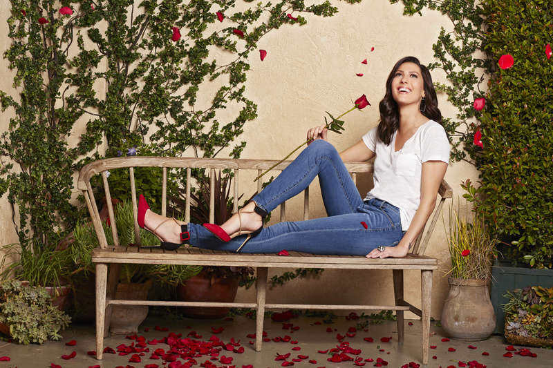 Bachelorette 14 - Becca Kufrin - ScreenCaps - NO Discussion - *Sleuthing Spoilers* 14889225