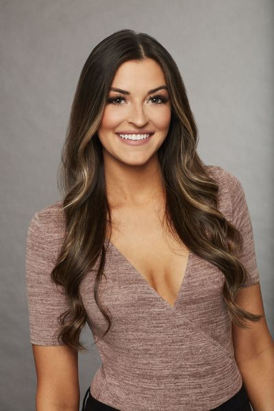 Tia Booth - Bachelor 22 - Discussion - Page 6 Tia_110