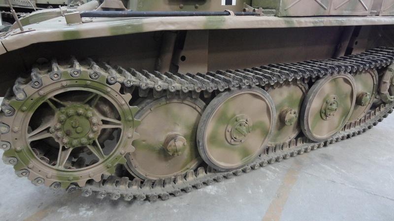 chenilles - Chenilles pour 2 modèles de blindés allemands Dsc04618