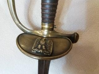 L'épée d'un officier junior 20843711