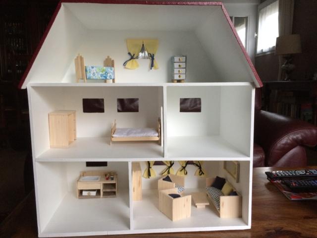 une maison et son mobilier Maison10