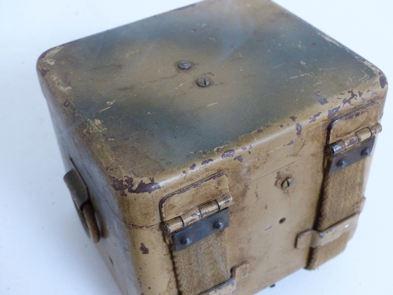 boite pour optique de mortier allemand  5cm et 8cm  P1000748