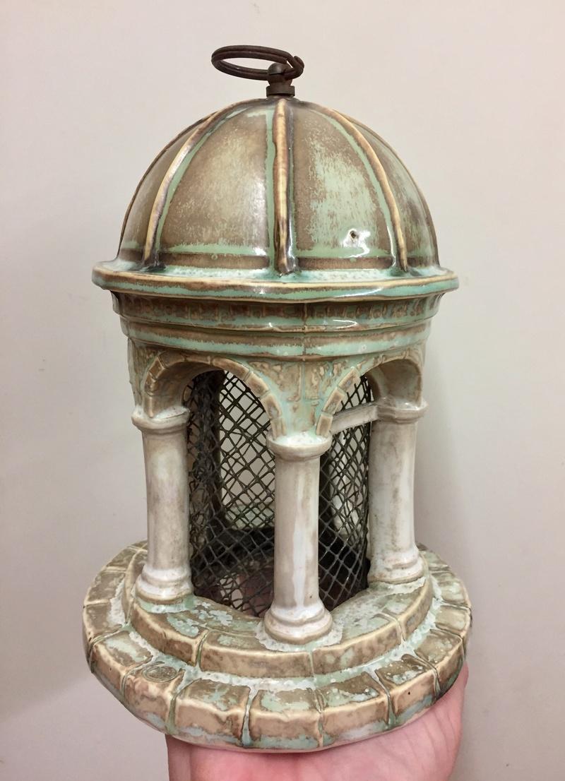 Porcelain bird feeder classical form 2a61ee10
