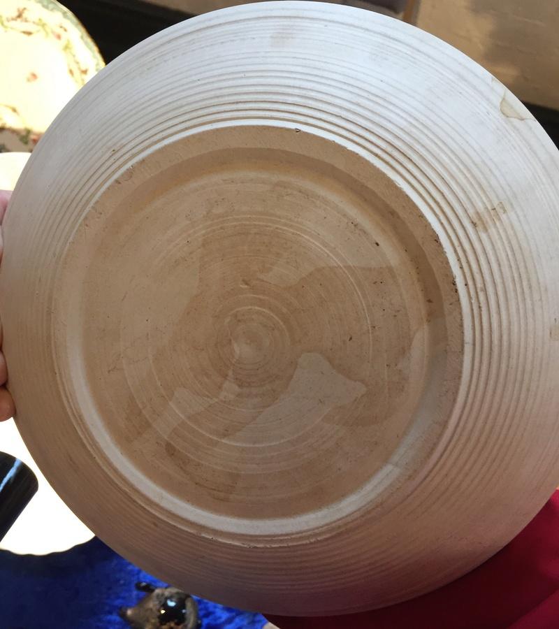 Black & white sgraffito bird bowl unmarked  Fa9cec10