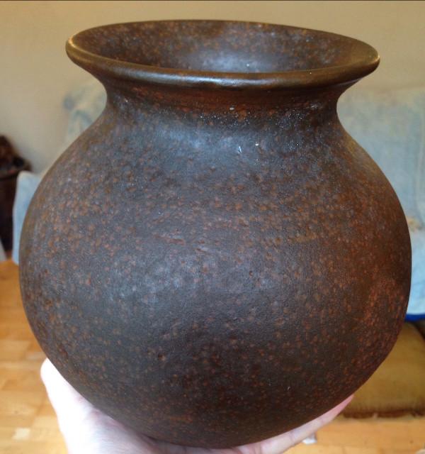 Large German brown pot signed Hayes - Toepferei Hartwig Heyne  Img_6933