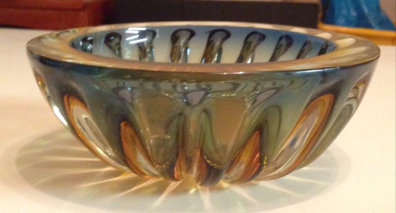 Ribbed bowl , murano? Img_7025