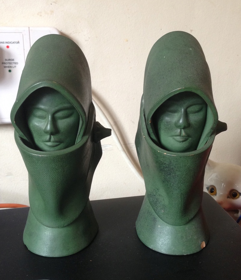 Unmarked pair of green faces; bookends  Img_8511