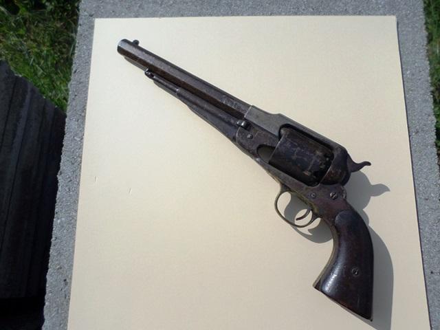 REMINGTON modèle 1858 original. Sam_0953