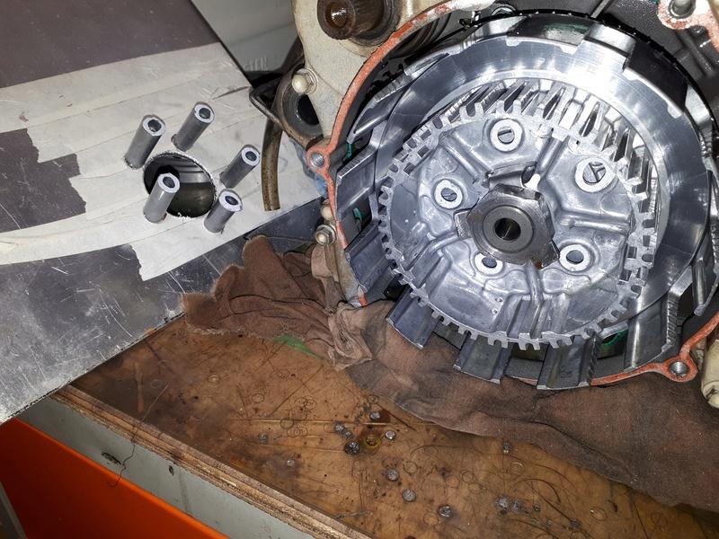 Ouvrir un moteur de KTM 200 2T 20180314