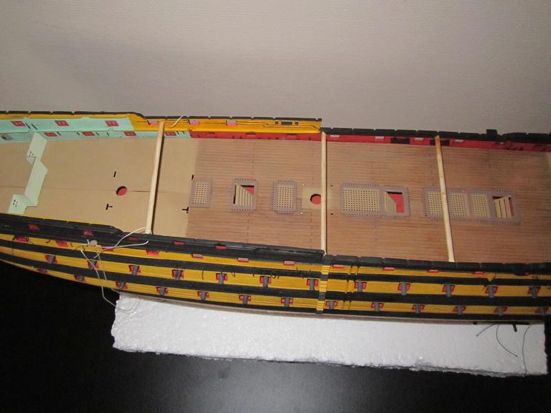 HMS Victory 1/100 Heller - Page 3 Img_1016