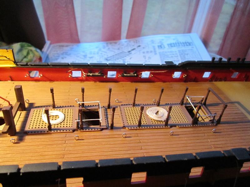 HMS Victory 1/100 Heller - Page 4 Img_1044