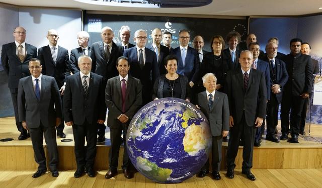 11 décembre 2017 - Adoption de la Déclaration de Paris et proposition de création d'un Observatoire Spatial du Climat  _dsc3710