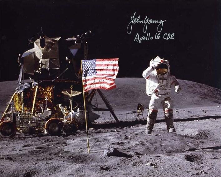 Décès de John Young (1930-2018) Apollo10