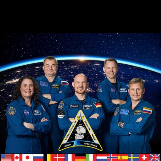 Expedition 55-56-57-58 (prévision novembre 2017 à novembre 2018) Dcuy-g10