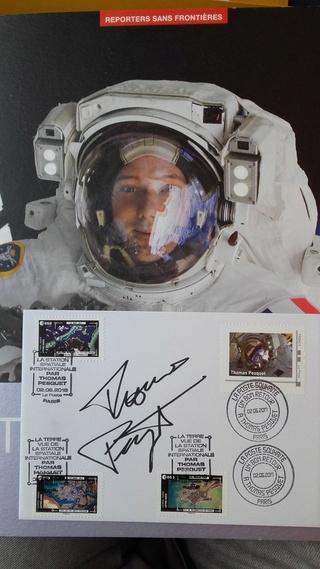 Carnet de timbres Thomas Pesquet - 4 juin 2018 Desv2v13